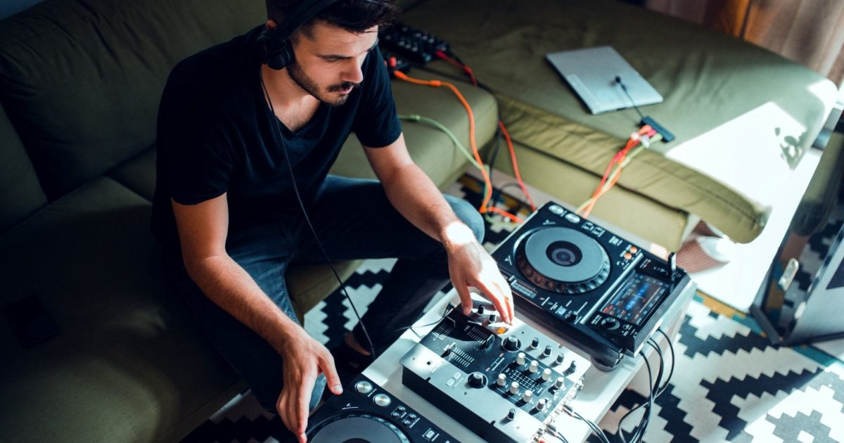 DJ | Tips for Negotiating Terms and Prices | ProSight Direct